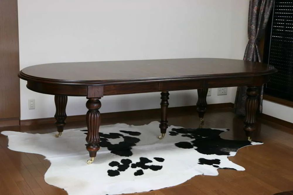 Sheraton dining table single leaf extension and extra leg